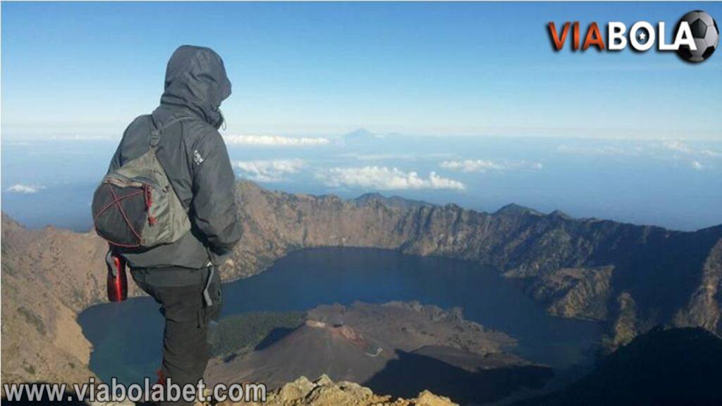 Kisah Mistis Gunung Rinjani